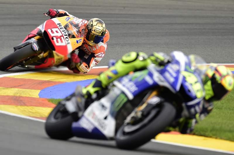 Marc Marquez persegue Valentino Rossi no GP da Argentina
