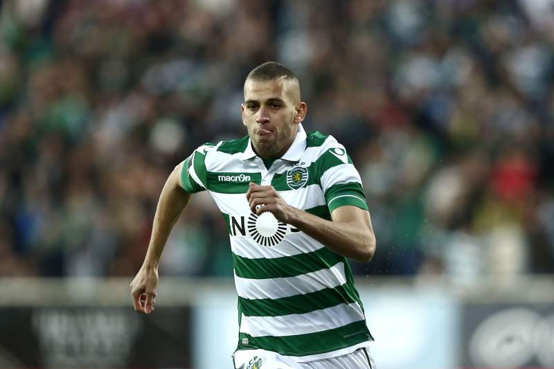 Slimani celebra um golo frente ao Estoril-Praia