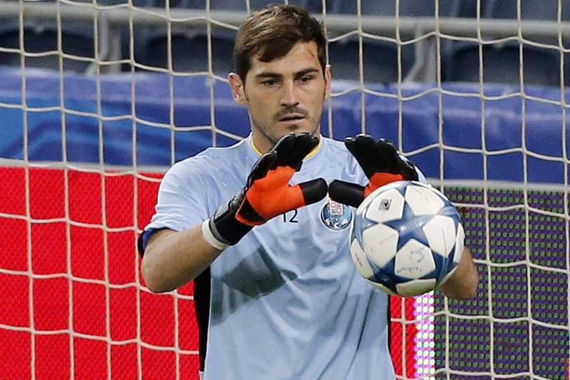 Casillas durante um treino de aquecimento do FC Porto