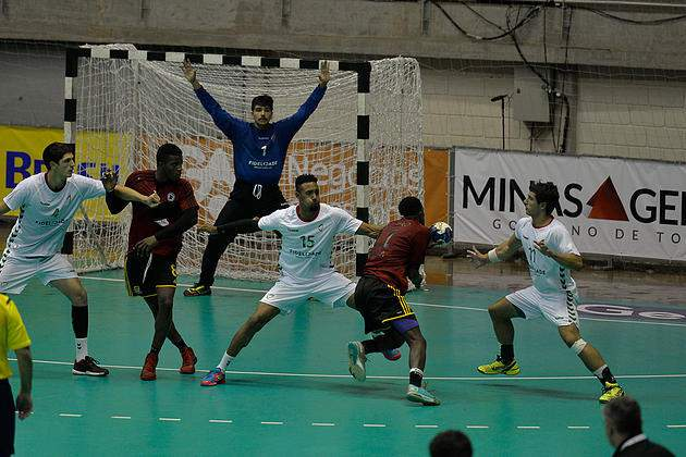 João Moniz em ação no jogo entre Portugal e Brasil