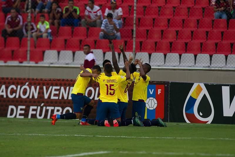 Jogadores do Equador celebram mais uma vitória