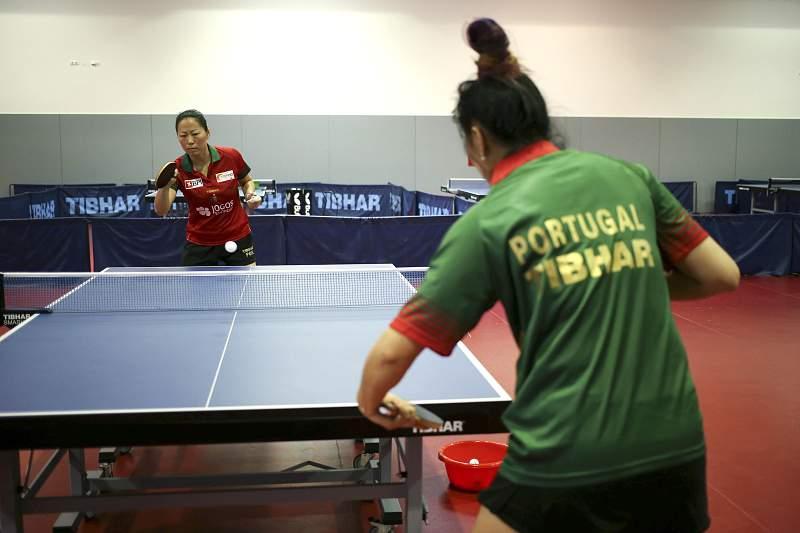 As mesa-tenistas Fu Yu e Shao Jiene