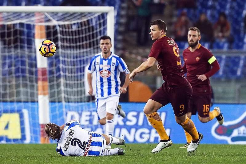 Roma vence Pescara e reduz diferença para a líder Juventus