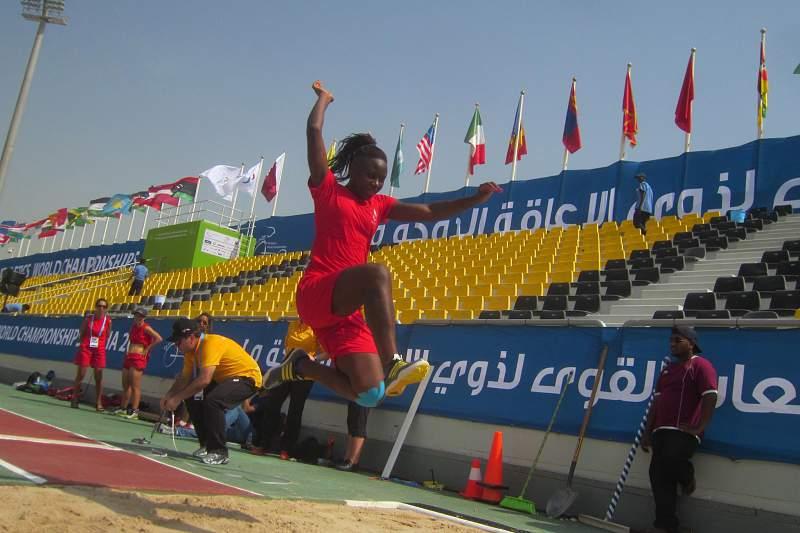 Desporto adaptado: Erica Gomes no salto em cumprimento