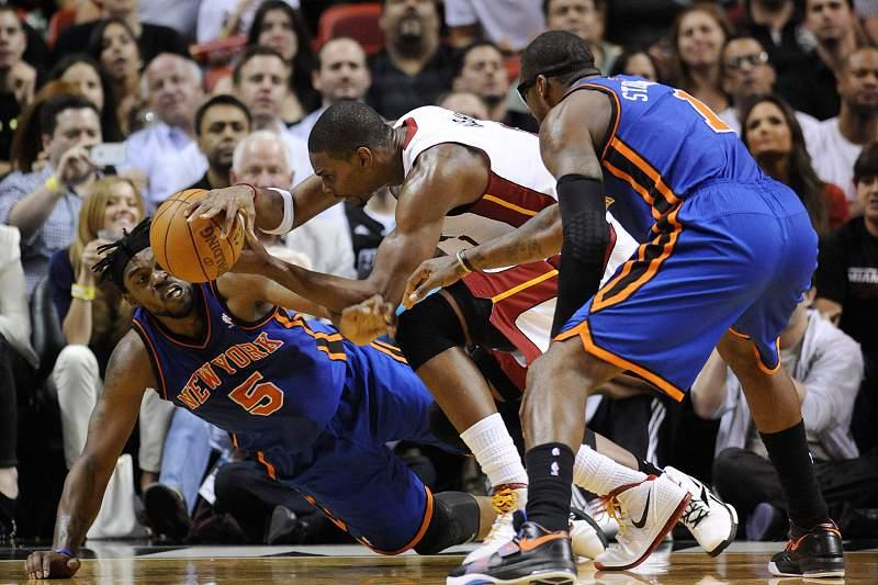 Amar'e Stoudmire (D) em ação na NBA