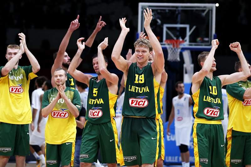 Lituânia defronta Sérvia nas meias-finais do Eurobasket