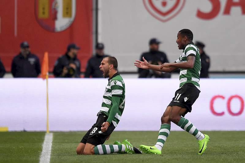 Bas Dost celebra um golo do Sporting em Braga