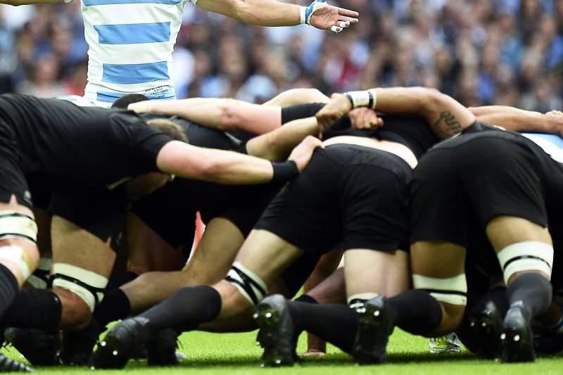 'All Blacks' sofrem para vencer Argentina perante 90 mil no Mundial de râguebi
