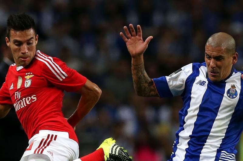 O melhor Benfica e o pior FC Porto defrontam-se na Luz
