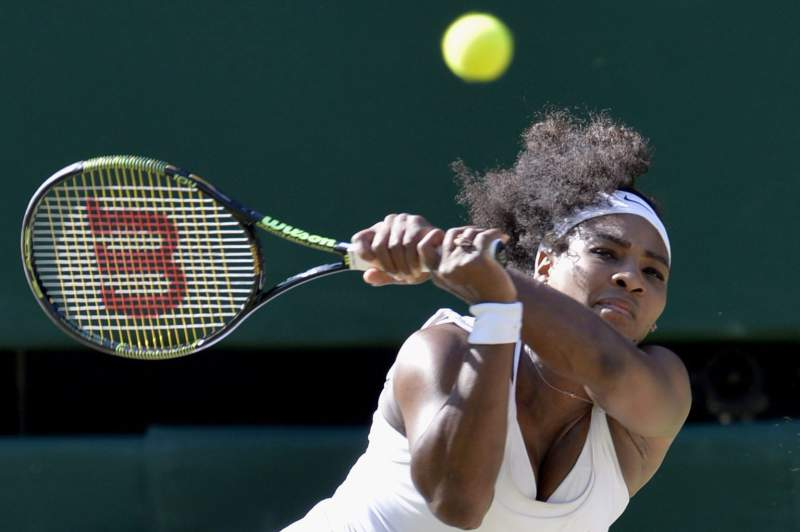 Serena Williams na final de Wimbledon pela oitava vez