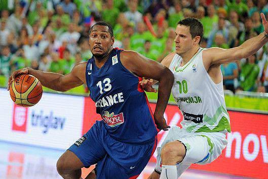 As melhores fotografias do europeu de basquetebol a decorrer na Eslovénia