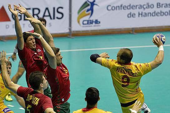 Portugal perdeu com a Espanha por 25-20