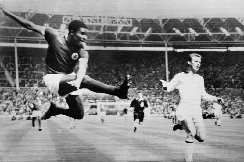 Benfica de 1959-68 entre melhores equipas de sempre para a FourFourTwo