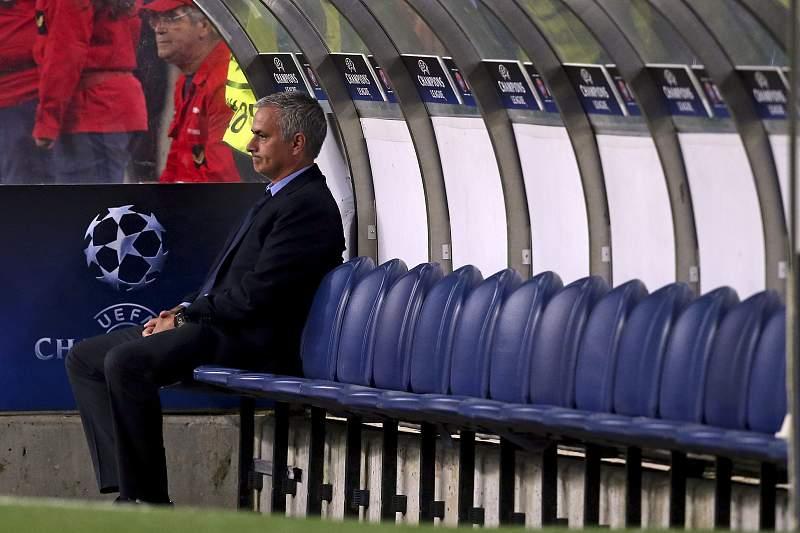 José Mourinho treinador do Chelsea no jogo da Liga dos Campeões contra o FC Porto disputado no Dragão. JOSÉ COELHO/LUSA