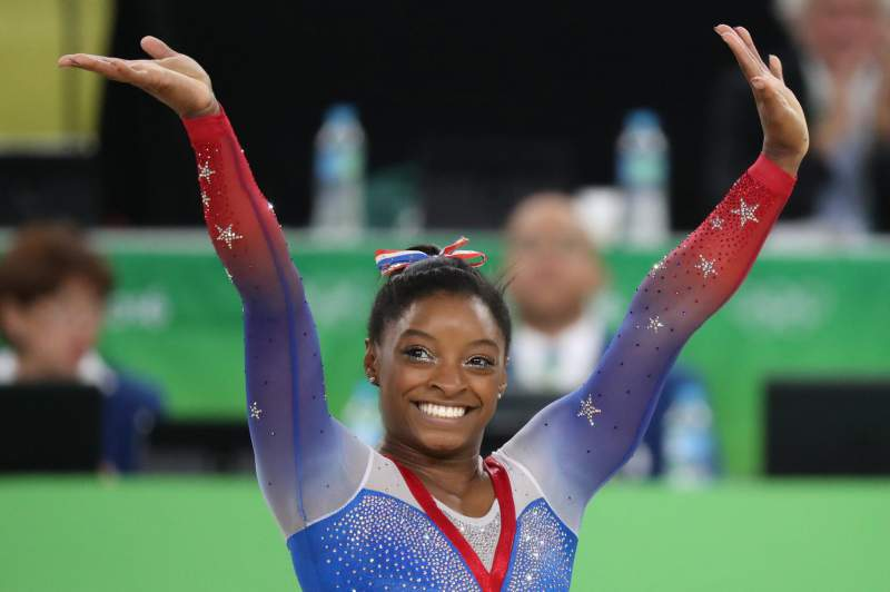 Simone Biles vence prova de solo e conquista quarta medalha de ouro