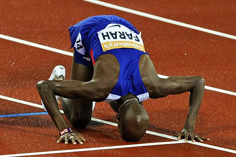 Mo Farah vence 3.000 metros em Londres, com melhor marca do ano