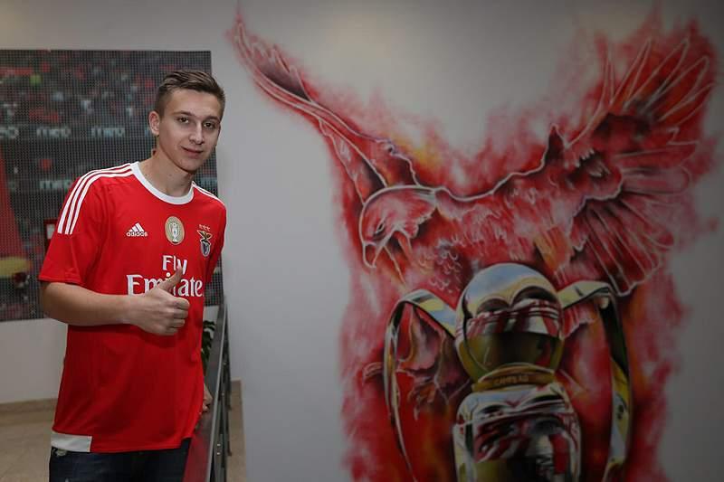 Saponjic já veste à Benfica