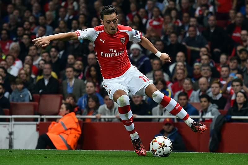 Mesut Ozil apontou o golo do Arsenal