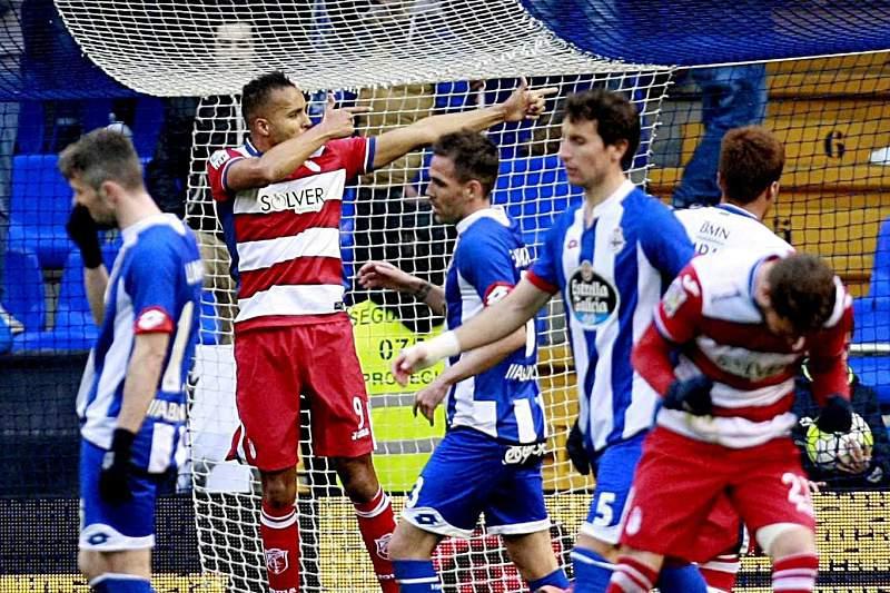 Youssef El-Arabi celebra o golo do Granada