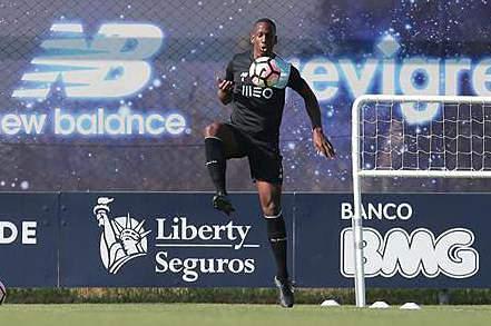 Boly já treinou no FC Porto
