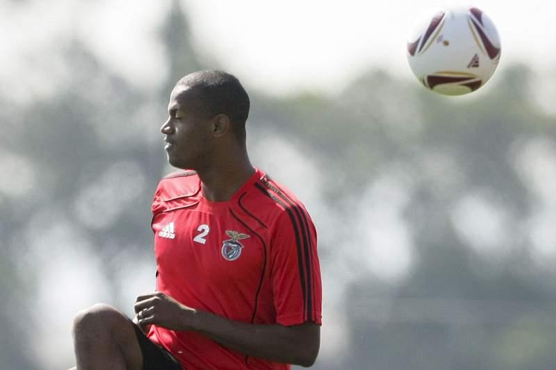 Ex-benfiquista Airton ruma ao Botafogo