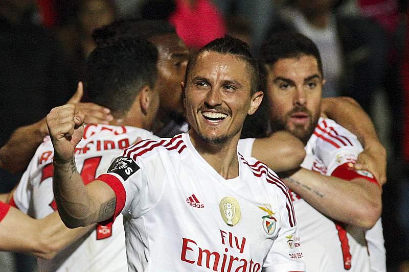 Benfica bateu Marítimo nos Barreiros