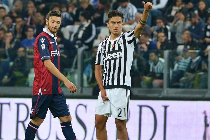 Paul Dybala celebra um golo frente ao Bolonha