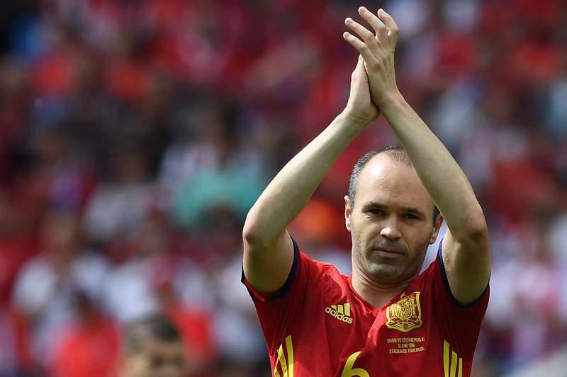 Iniesta após a vitória da Espanha sobre a República Checa