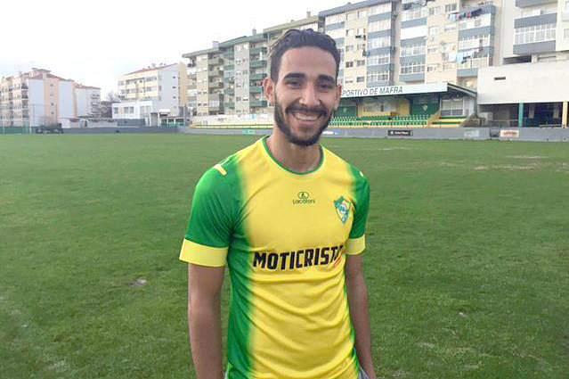 Mafra aposta no futuro e contrata Reza Hossein, jovem avançado iraniano de 18 anos