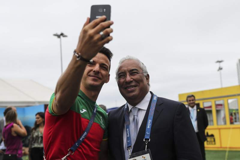 Portuguese Prime Minister visits the Paralympic team in Rio 2016