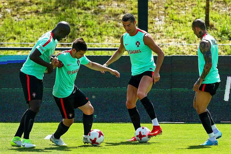 Imprensa espanhola revela que Cristiano Ronaldo aos companheiros de seleção sobre a sua situação em Madrid.
