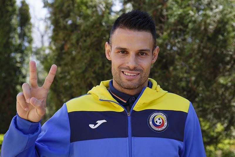 Paulo Ferreira vai defrontar Portugal ao serviço da Roménia