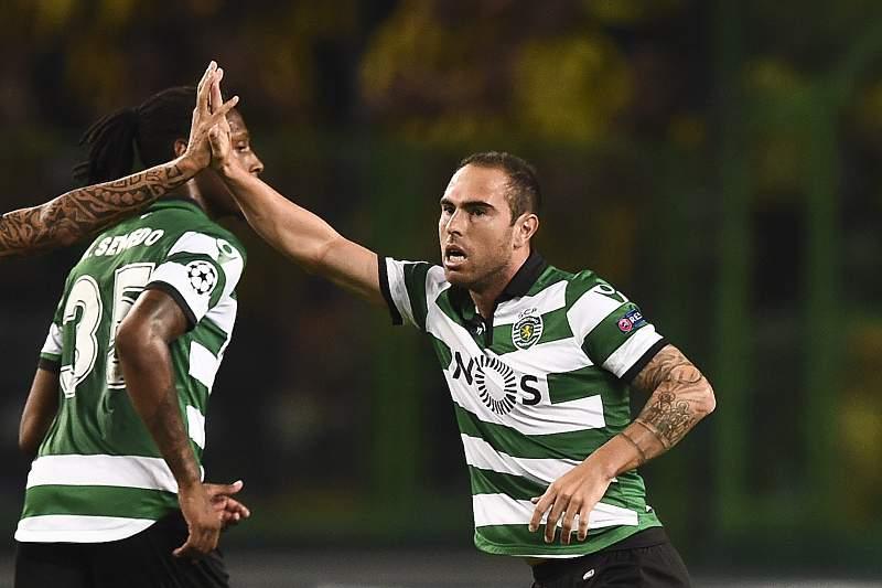 Bruno César festeja o golo do Sporting apontado ao Borussia Dortmund na derrota leonina por 2-1.