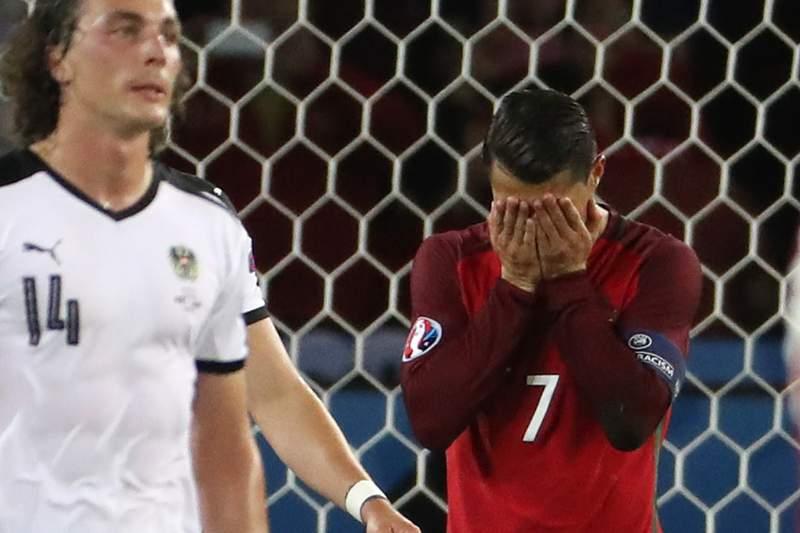 Postes tramam Portugal diante da Áustria