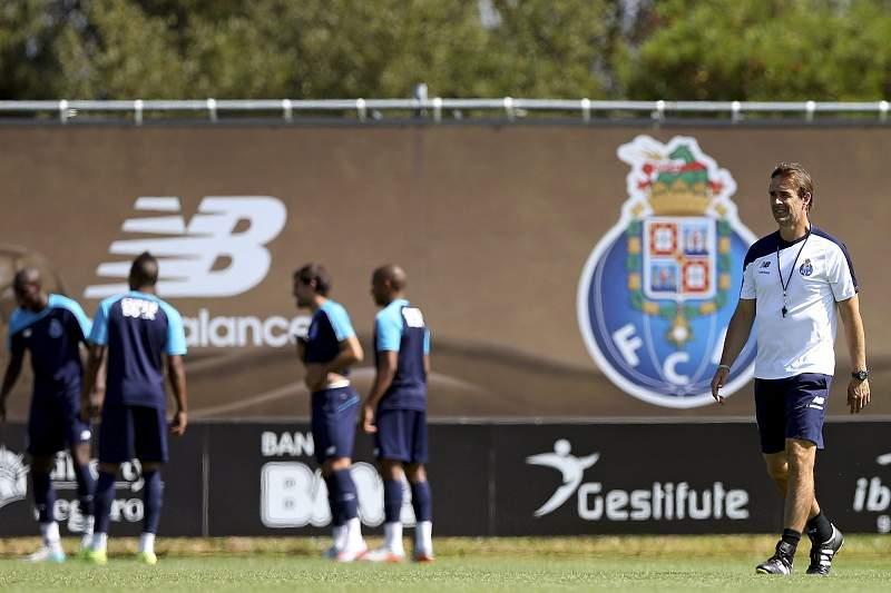 Lopetegui num treino do FC Porto