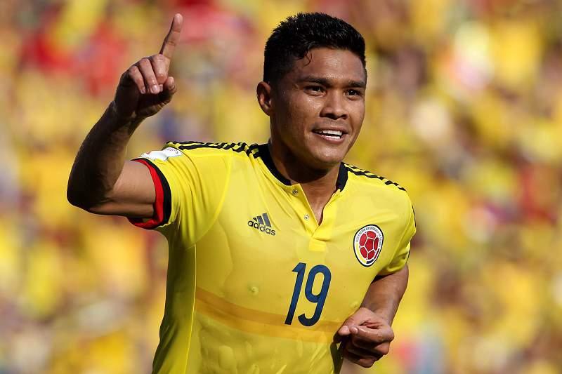 Teofilo Gutierrez celebra um golo frente ao Peru
