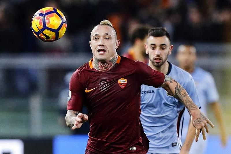 Nainggolan em ação pela Roma na Taça de Itália