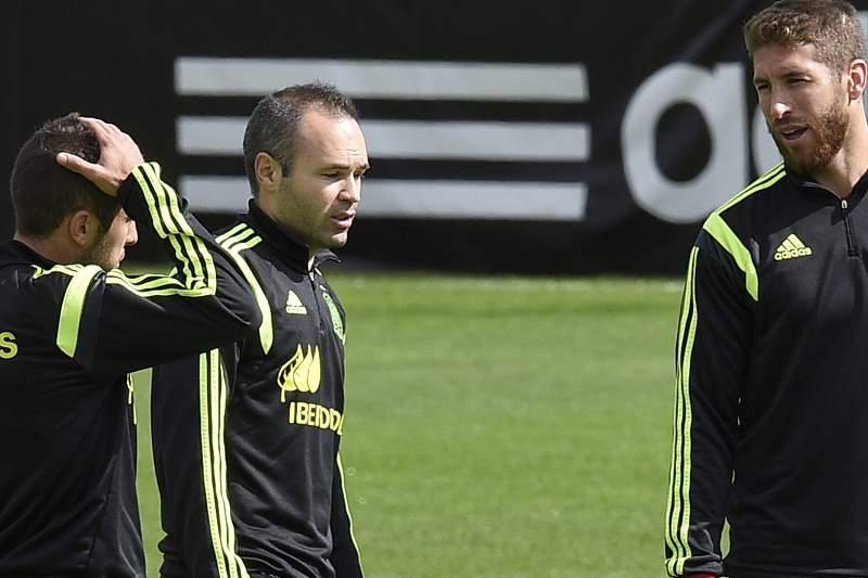 Iniesta e Sergio Ramos