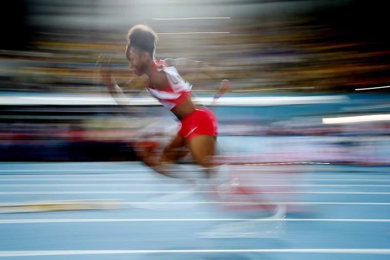 Tianna Bartoletta em ação na prova dos 4x100 metros
