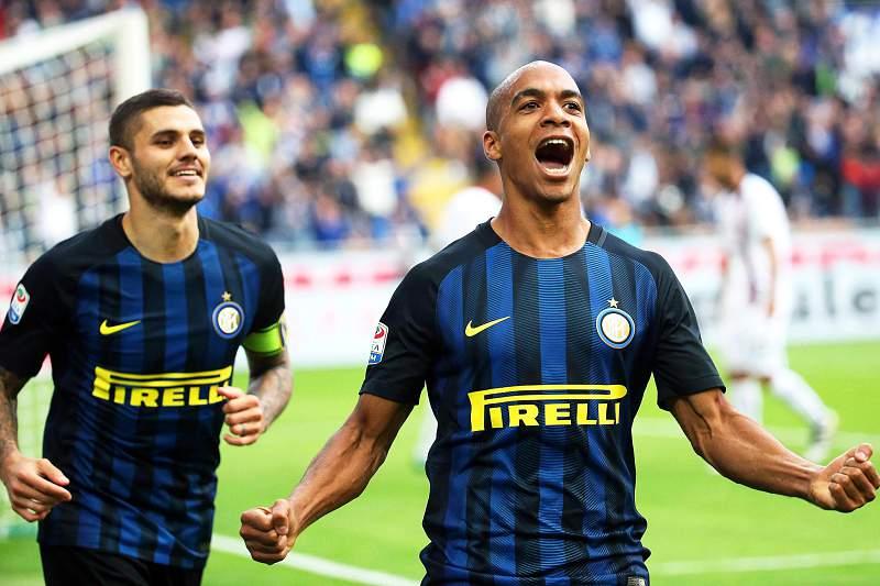 Golo de João Mário dá vitória ao Inter