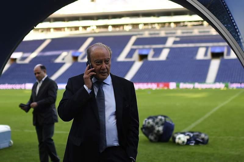 Jorge Nuno Pinto da Costa no relvado do Estádio do Dragão