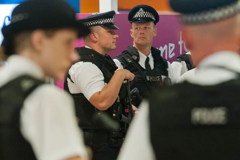 Polícia britânica identifica 83 suspeitos de pedofilia no futebol inglês