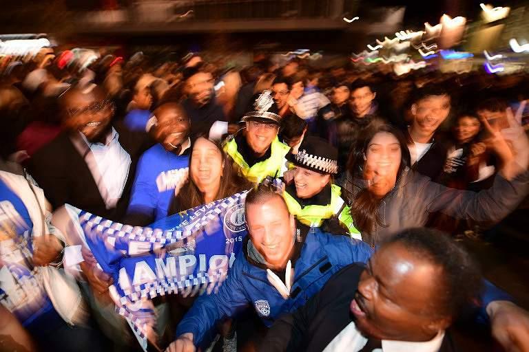 Festa rija nas ruas de Leicester