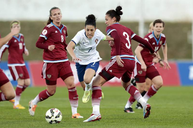 Cláudia Neto entre as jogadores russas