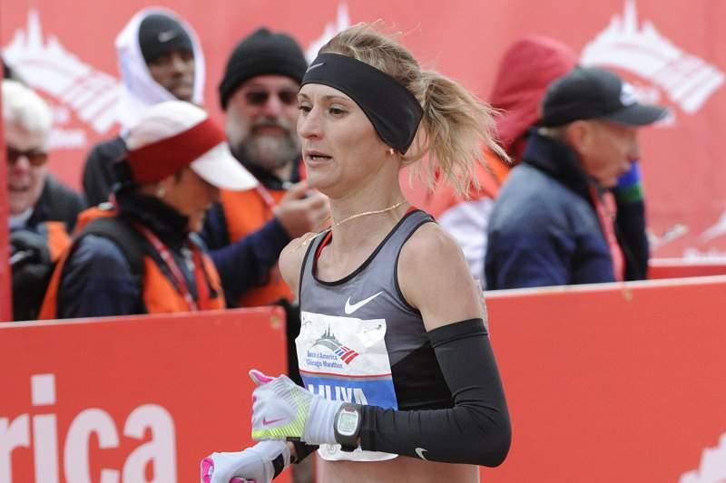 Atleta russa Liliya Shobukhova volta a competir após redução da pena