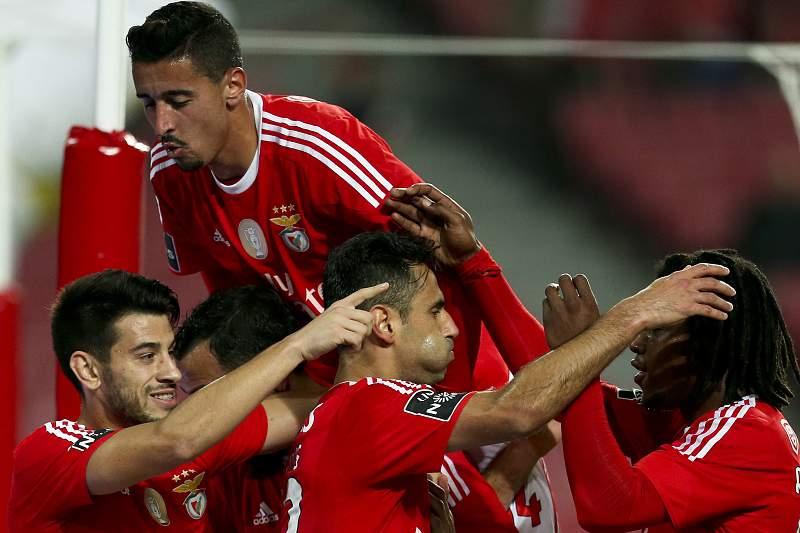 Benfica vence Académica