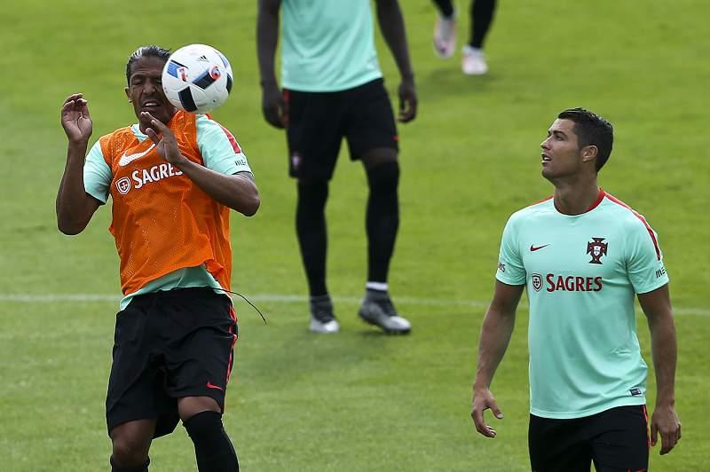 Seleção treina na máxima força na presença de Fernando Gomes