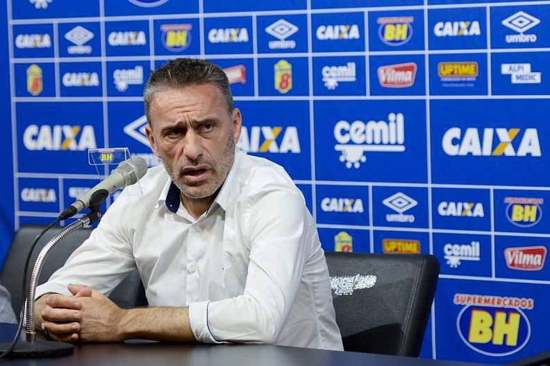 Paulo Bento abandona o comando técnico do Cruzeiro