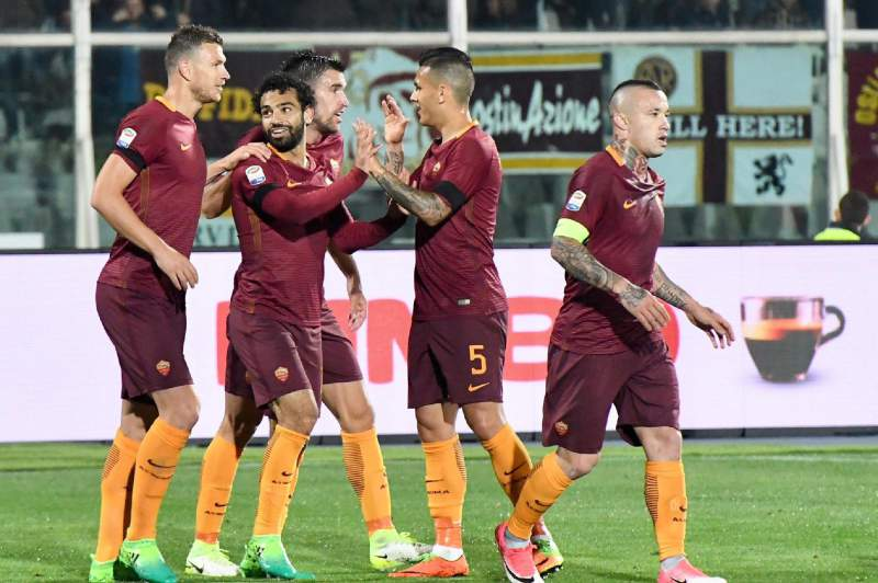 AS Roma festeja golo