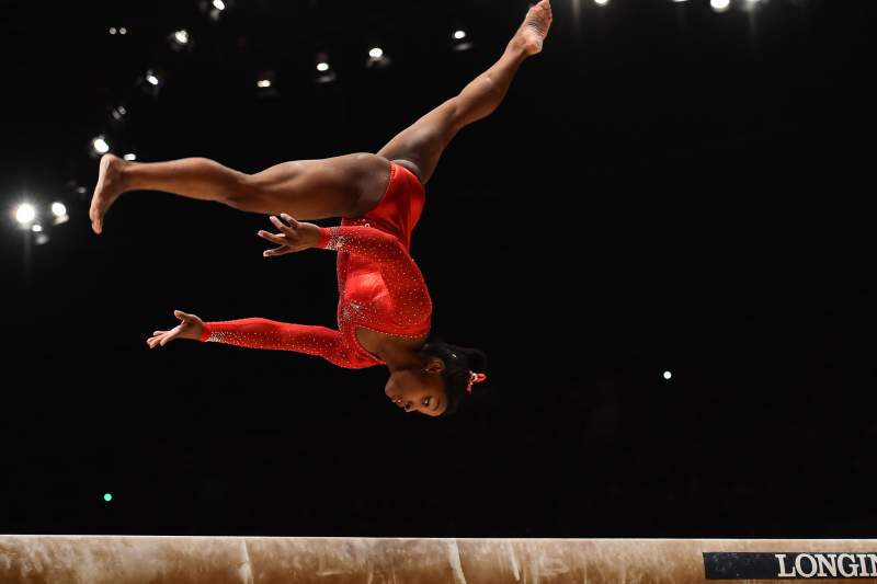 Simone Biles, campeã mundial de ginástica